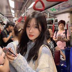 Blessed Pretty Korean Girls, Cute Korean Girl, Cute Asian Girls, Beautiful Asian Girls, Cute Girls, Pretty Girls, Ulzzang Korean Girl, Ulzzang Couple, Korean Beauty