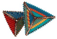 an open source architectural beadwork project from Kate McKinnon and a worldwide team of innovators Kate Mckinnon, Peyote Beading, Triangle Pattern, Seed Bead Tutorials, Beading Tutorials, Triangles, Peyote Stitch, Beaded Jewelry, Seed Beads