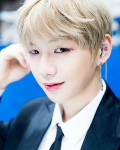 Kan Daniel 😍😘 wanna on 😘 Ravenclaw, Daniel K, Guan Lin, Produce 101 Season 2, Kim Jaehwan, Ha Sungwoon, Seong, 3 In One, Jinyoung