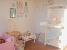 Willow bedroom / pastel vintage baby room