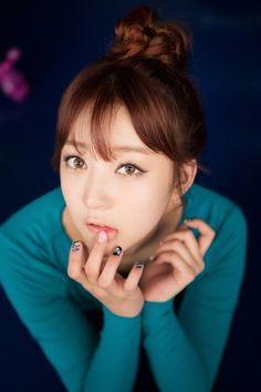 12 INTENSE COLOR CONTACT LENSES WORN BY K-POP IDOLS -- EXID Hyerin