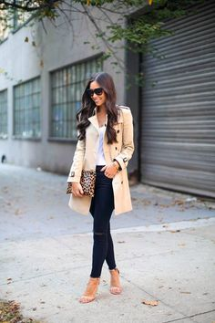 Great autumn street style Classy trousers, heels and nude trench coat