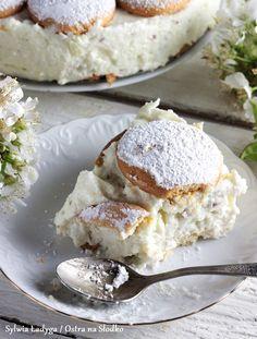 SERNIK KOKOSOWY Z BIAŁĄ CZEKOLADĄ BEZ PIECZENIA Camembert Cheese, Muffins, Cheesecake, Food And Drink, Cupcakes, Yummy Food, Baking, Passion, Sweet Desserts