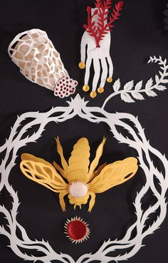 Elsa Mora | Papercut http://elsita.typepad.com/allaboutpapercutting/threedimensional/page/3/