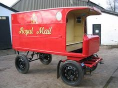 A horse-drawn mail van circa 1935 in our collection. The design of the van enabled letter carriers to step on and off whilst the vehicle was still moving. Old Lorries, Gypsy Wagon, Mobile Shop, Horse Drawn, Commercial Vehicle, Royal Mail, Post Office, Old Trucks, Classic Cars