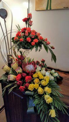 Tropical Flower Arrangements, Ikebana Flower Arrangement, Fall Arrangements, Tropical Flowers, Altar Flowers, Church Flowers, Luau Theme Party, Sympathy Flowers, Arte Floral