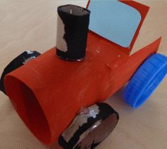 a simple toilet roll tube tractor Toilet Paper Roll Crafts, Paper Crafts For Kids, Preschool Crafts, Diy Paper, Crafts To Make, Farm Crafts, Horse Crafts, Tractor Crafts, Transportation Crafts