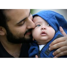 Majid bin Mohammed bin Rashid Al Maktoum con su hijo, Mohammed bin Majid bin Mohammed Al Maktoum, 25/11/2015. Foto: asmbinthalith
