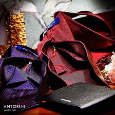 Seven folded silk ties in a dapper style fit well to suit. Participants of petti uomo Men's tie in navy and burgundy. Stylish Mens Fashion, Best Mens Fashion, New Fashion Trends, Latest Fashion, Fashion Ideas, Fashion Fashion, Fashion Outfits, Beard Suit, Tie Styles
