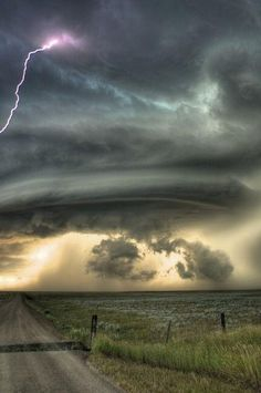 A Supercell Thunderstorm over Glasgow, MT July 28th 2010