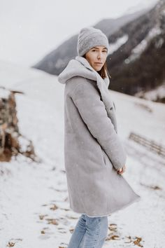 Winter Getaway Packing List: Skiurlaub - The Daily Dose Fitness Studio, Pullover, Skiing, Fashion Inspiration, Winter Jackets, Normcore, Coat, Bikinis, Outfits