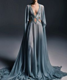 Pretty Outfits, Pretty Dresses, Beautiful Dresses, Fall Outfits, Fantasy Gowns, Fantasy Outfits, Neue Outfits, Medieval Dress, Runway Fashion