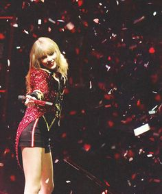 Taylor Swift RED tour we are never ever getting back together!