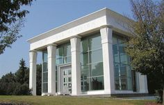 Krannert Art Museum is the second-largest fine art museum in Illinois.