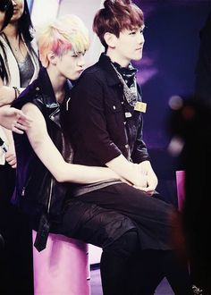 Baekhyun sitting on Sehun /EXO Baekhyun usually takes a shower with fellow member, Sehun after training.