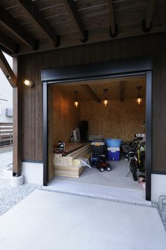 Garage House, Garage Doors, Hobby Room, Woodworking Shop, Interior, Outdoor Decor, Design, Home Decor, Home