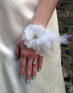 Bridal cuff with feathers, tulle and crystal