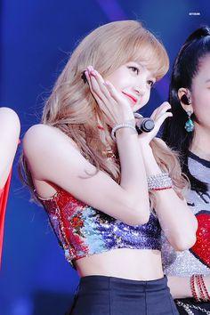 South Korean Girls, Korean Girl Groups, Happy Birthday My Queen, Rapper, Pink Moon, Kim Jisoo, Jennie, Beautiful Person, Blackpink Lisa