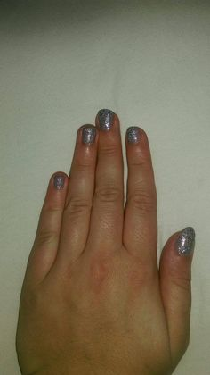 Wet'n'wild Fergie - New Years Kiss on OPI - Taupe-less Beach