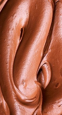 Nutella Sour Cream Frosting Recipe ~ Creamiest and richest sweet chocolate frosting