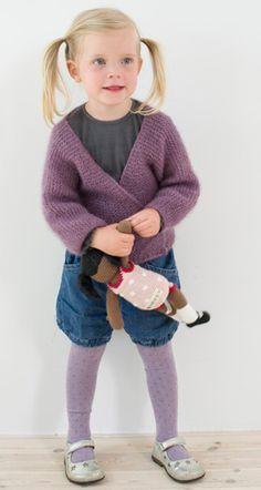 Strikkeopskrift, strik til børn, strikket slå om-trøje til piger