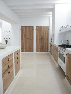 Can Xicu Ibiza. Design by Blakstad Can Xicu Ibiza. Design by Blakstad Home Decor Kitchen, Rustic Kitchen, Kitchen Interior, Home Interior Design, Home Kitchens, Kitchen Ideas, Kitchen Country, Kitchen White, Rustic Farmhouse