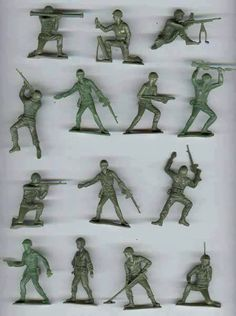 Vintage green army men - played with these! Retro Toys, Vintage Toys, 1950s Toys, Vintage Games, Vintage Art, Childhood Toys, Childhood Memories, School Memories, Family Memories