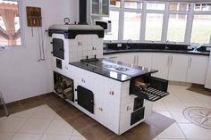 Resultado de imagem para cozinha com fogão campeiro