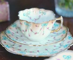 Such a beautiful and delicate teacup Cup And Saucer Set, Tea Cup Saucer, Teapots And Cups, Teacups, Antique Dishes, China Tea Cups, Tea Service, My Cup Of Tea, Chocolate Pots