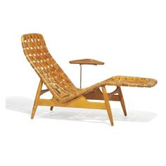Chaise longue with beech frame. Seat and back with woven straps of patinated natural leather. Mounted with small triangular teak side table with slightly raised edge, on brass stretcher. 50s Furniture, Danish Modern Furniture, Mid Century Furniture, Pallet Furniture, Furniture Design, Outdoor Furniture, Leather Chaise Lounge Chair, Leather Chairs, Rocking Chair Porch