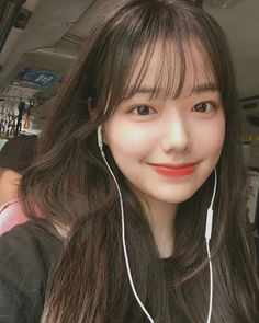 Korean Bangs Hairstyle, Korean Haircut, Hairstyles With Bangs, Girl Hairstyles, Korean Long Hair, Korean Face, Asian Hair, Asian Bangs, Ulzzang Hair