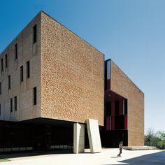 Galería de Nueva residencia y comedores St Edward's University / Alejandro Aravena - 1