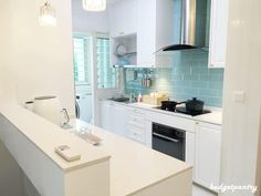 Home: BTO Renovation - why I chose Rinnai hob, hood and oven for my kitchen ⋆ Budgetpantry Kitchen Cabinet Design, Modern Kitchen Design, Kitchen Decor, Kitchen Cabinets, Kitchen Interior, Kitchen Ideas Singapore, Interior Design Singapore, Toilet Design, Home Kitchens