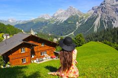 25 Secret Small Towns in Europe you MUST Visit (Arosa, Switzerland) Best Countries To Visit, Cool Countries, Countries Of The World, Backpacking Europe, Odense, Magic Places, World Of Wanderlust, Voyage Europe, Belle Villa