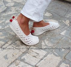 How to turn crochet slippers into street shoes! Ravelry: White Lace Espadrilles/Toms pattern by Ingunn Santini
