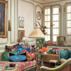 IRIS APFEL'S EXUBERANT APARTMENT The style icon takes AD inside her bold Manhattan home
