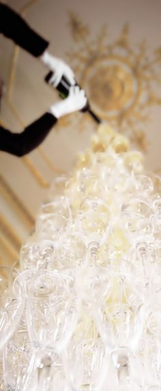 Moët & Chandon Champagne: Fine and Vintage Champagne France Champagne France, Champagne Tower, Vintage Champagne, Champagne Fountain, Champagne Drinks, Champagne Party, Champagne Glasses, Moet Chandon, Wedding Inspiration