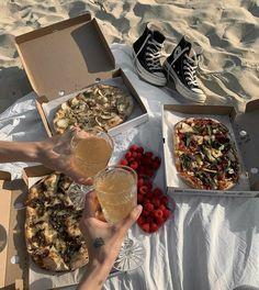 Cute Food, Good Food, Yummy Food, Comida Picnic, Comida Diy, Picnic Date, Beach Picnic, Think Food, Food Goals