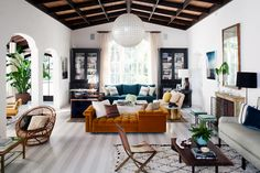 Traditional living room with touches of modern décor