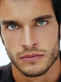 Looking forward to Daniel DiTomasso in Witches of East End. Yum!