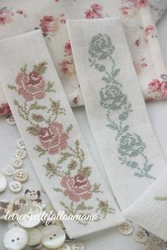 This Pin was discovered by ele Cross Stitch Bookmarks, Cross Stitch Heart, Cross Stitch Borders, Cross Stitch Flowers, Cross Stitch Designs, Cross Stitching, Cross Stitch Embroidery, Hand Embroidery, Cross Stitch Patterns