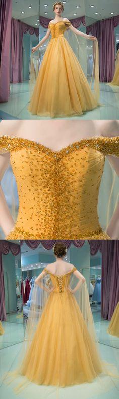 Looks like a beauty & the beast dress!! So pretty