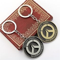 ohyesoverwatch:  This Overwatch keyrings are cool!