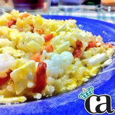 Hoy @DrLove ha preparado arroz con chipirones (en su perfil) y a mí me ha hecho este arrocito cn huevo y bacon!  #ArnyDeliciosos #DrLove