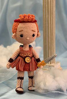Crochet Dolls, Crochet Hats, Sewing Patterns, Crochet Patterns, Amigurumi Toys, Hercules, Crochet Animals, Crochet Projects, Free Pattern