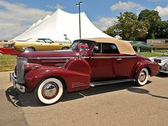 VINTAGE LUXURY: 1938 Cadillac Series 90 V16
