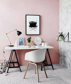 Приятная цветовая гамма домашнего офиса