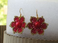 Red Knitted Flowers Earrings With Gold Thread And By Dnicecraft Flower Earrings, Crochet Earrings, Knitted Flowers, Pearls, Purple, Red, Jewelry, Jewlery, Jewels