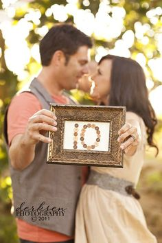 Anniversary Photos every year - What a good idea! Think about the change in 50 or 60 years...   I soooo wanna do this! Great idea