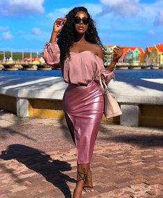 May 2020 - Rosé Pink Metallic Faux Leather Slit Skirt Pink Outfits, Classy Outfits, Skirt Outfits, Stylish Outfits, Fashion Outfits, Womens Fashion, Fashion 2018, Fashion Advice, Black Girl Fashion